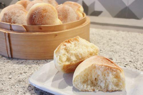 Luftige Pan de sal-brød er et flott alternativ til hamburgerbrød. Foto: lizasmatverden.blogspot.no