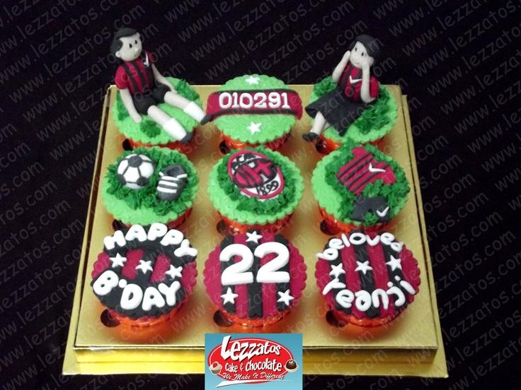Cupcake Tema AC Milan.  Hiasan dari fondant.