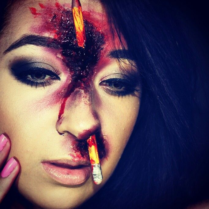 Halloween Make-up  On youtube @leanneroux