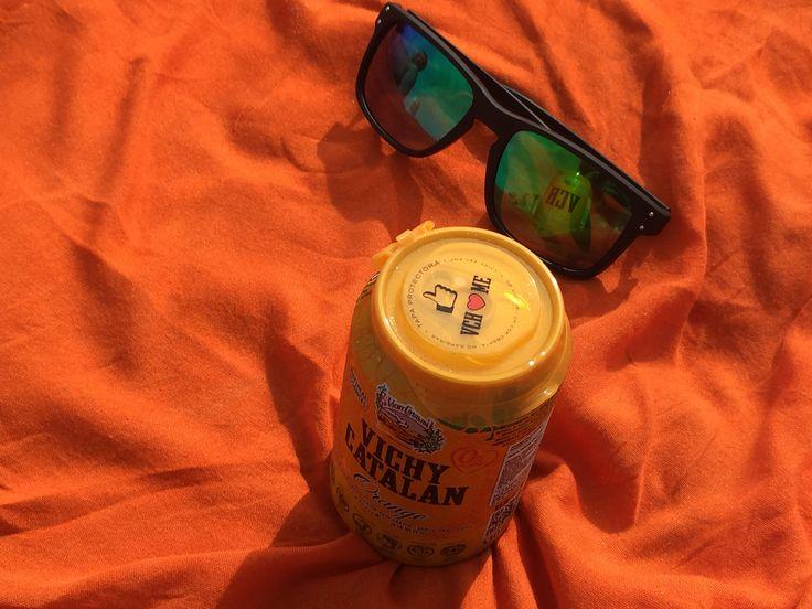 https://flic.kr/p/xLbvaw   Se lleva el naranja, el del nuevo Vichy Catalán Orange