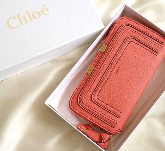 chloe- love this color. Love the clutch purses