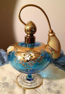 Botella de perfume de la vendimia de Bohemia Checa de cristal azul del oro del esmalte Moser: