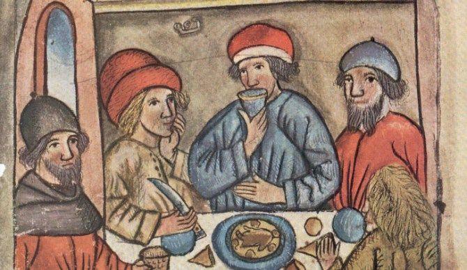 """""""La práctica medieval más común era comer dos veces al día: un almuerzo cercano al mediodía que consistía la comida fuerte y una merienda más ligera. La iglesia católica y ortodoxa tuvieron una gran influencia en los hábitos alimenticios. Se consideraba, por ejemplo, que los banquetes nocturnos propiciaban el juego, la lujuria y demás actividades no bien vistas."""""""