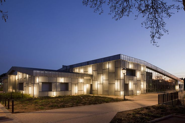 Media Library and Cultural Centre,Courtesy of  barbotin + gresham architects