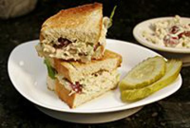The Perfecr Picnic Curried Chicken Salad with Grapes: Chicken Salad With Grapes