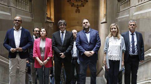Independencia de Cataluña: ¿Por qué la izquierda cede a la derecha la defensa de la Constitución?. Blogs de Una Cierta Mirada. Cuando ha llegado la hora de la verdad quien arrastra los pies para ponerse en primera línea de defensa de la ley democrática es esta izquierda delicuescente que hoy padecemos