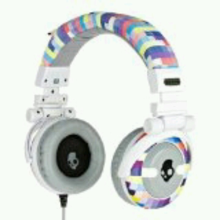 Pixalate 2nd edition skullcandy..