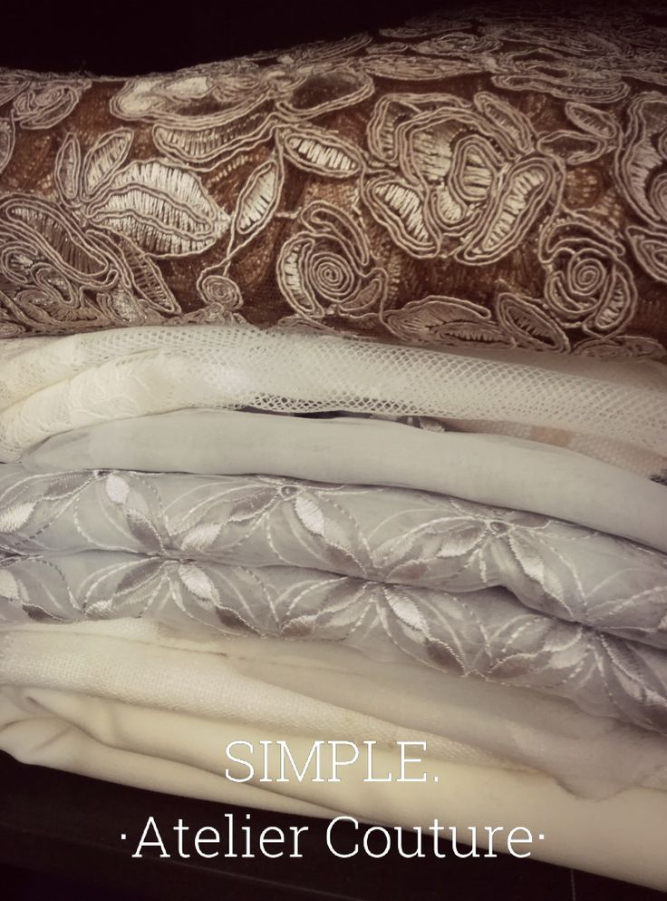 SIMPLE. Atelier Couture Laces fabric. My favorite one.