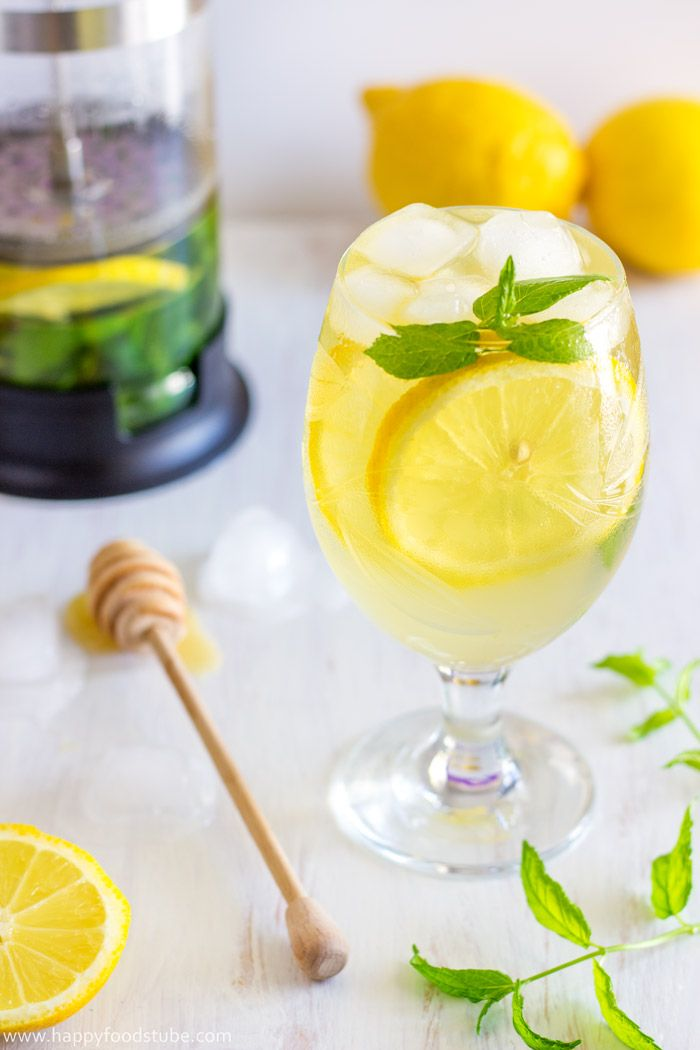 Fresh Mint & Lemon Iced Tea Recipe! Refreshing, Healthy + Low Calories! Non-Alcoholic! | happyfoodstube.com