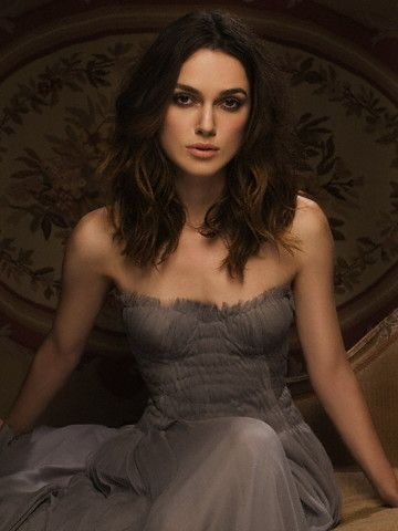 Keira Knightly....beautiful girl, beautiful dress :)