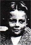 Mr James William Van BILLIARD  Age10 NationalitéAméricaine Né le20 août 1901 à (France) Décédé le15 avril 1912 Profession AdresseLondres, (Angleterre) Port d'embarquementSouthampton Voyageant en3ème Classe N° du TicketA/5 851 Cabine N° attribué au CorpsNon retrouvé