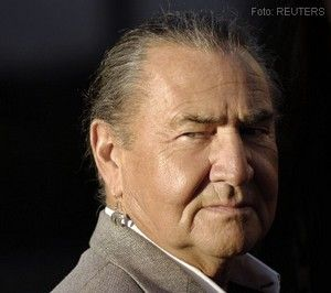 """Free Willy"" Actor August Schellenberg Has Died  HOLLYWOOD – Actor August Schellenberg, who played the 'passive' native in the whale movie 'Free Willy' had died. He was 77 years old.  - See more at: http://www.nodeju.com/11900/free-willy-actor-august-schellenberg-has-died.html#sthash.8mNCd2Dh.dpuf"
