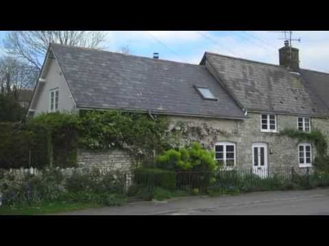 Beautiful 4 Bed Cottage For Sale in Martinstown Dorchester. Call kemp and Co now on 01305 251800!
