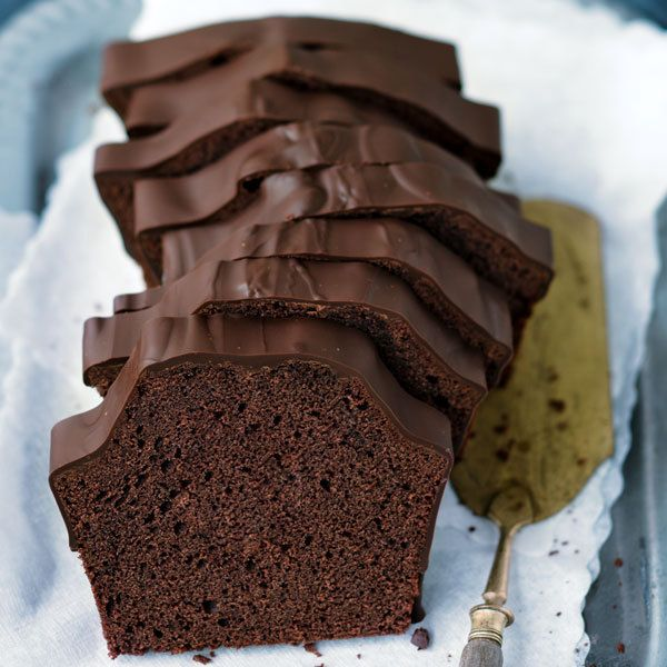 Schokoladenkuchen ist nicht gleich Schokoladenkuchen! Probieren Sie mal dieses Rezept und es erwartet Sie ein saftiger, vollmundiger Kuchen mit Schoko...
