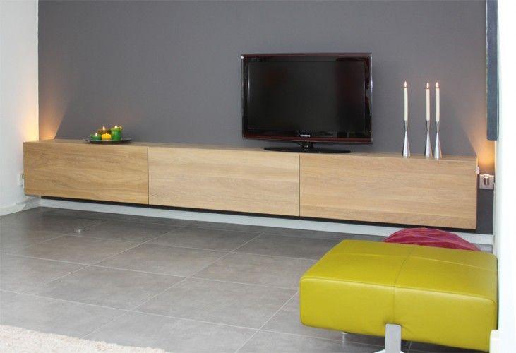 Mooi zwevend tv meubel. Leuk om door te trekken in een haard-wand naast de tv.