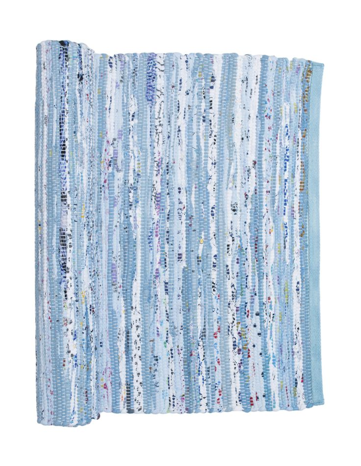 Our blue mix saga rug is perfect for a child's bedroom and is 100% machine washable! Gifts, rugs and inspiration for bedrooms and home decoration from Skandihome.com