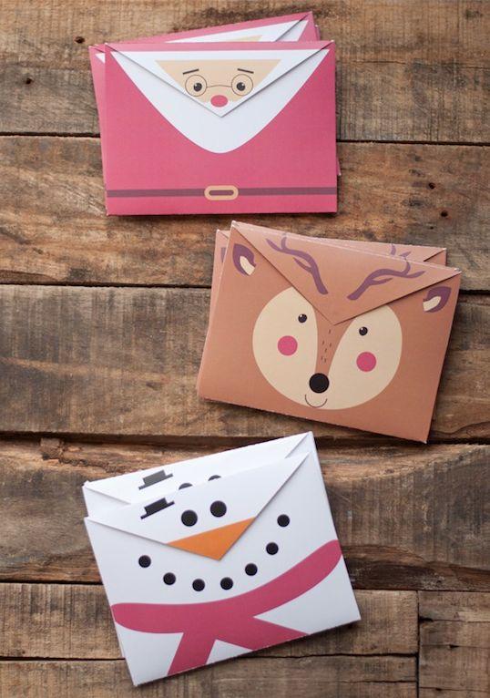 Kijk wat ik gevonden heb op Freubelweb.nl: een gratis download van This Heart of Mine om deze leuke kerstenveloppen te maken https://www.freubelweb.nl/freubel-zelf/zelf-maken-met-papier-kerstenveloppen/