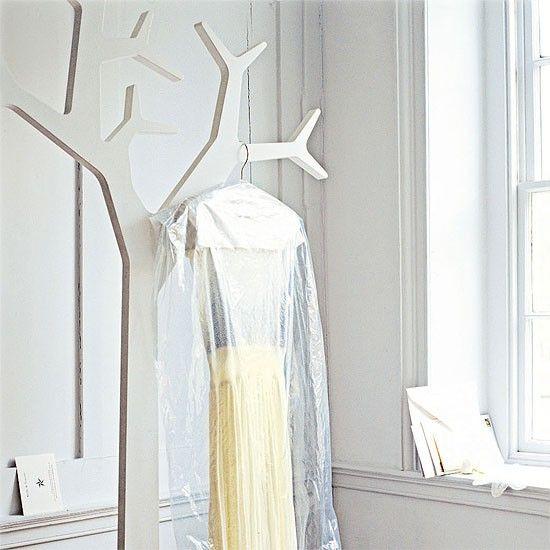 Flur Diele Wohnideen Möbel Dekoration Decoration Living Idea Interiors home corridor - Flur mit weißen Baum Kleiderständer