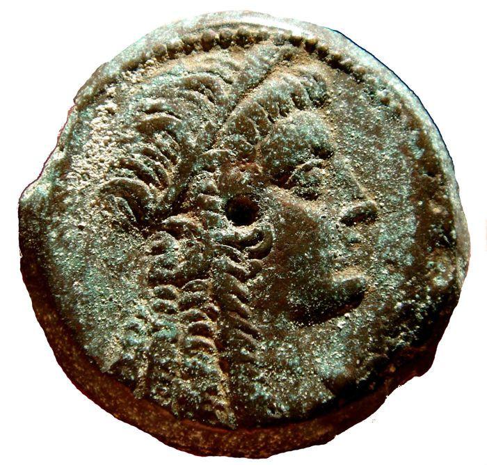 Ancient Greek-Ptolemaeïsche Koninkrijk van Egypte - Ptolemaeus VI Philometor (163-165) AE27 drachm (1621 g 27 mm). Alexandria mint. Serie 7. Isis / Eagle.  Ancient Greek-Ptolemaeïsche Koninkrijk van Egypte - Ptolemaeus VI Philometor (163-165) AE27 drachm (1621 g 27 mm). Alexandria mint. Serie 7. Isis / Eagle.Hoofd van Isis recht het dragen van de krans van graan oren en haar haar in lange krullenEagle met open vleugels permanent links op thunderbolt; Svoronos-1384Uitstekende conditie. Brown…