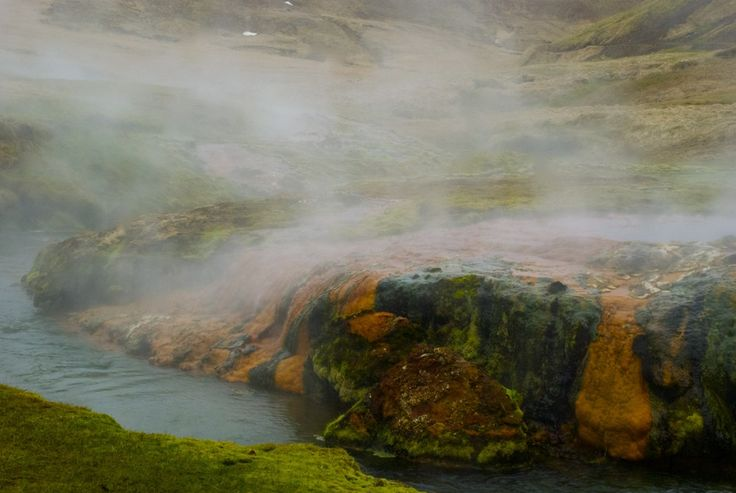 Red and white limestones next to river Varmá. #iceland #island #Hveragerði #hiking #vandring #nature #mountains