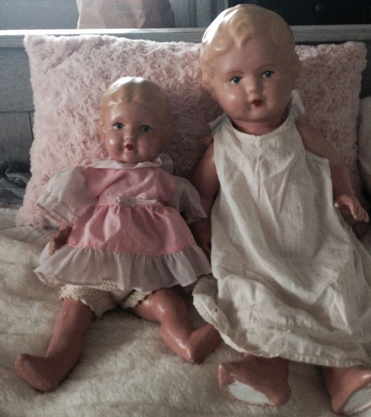 Twee oude poppen van oma
