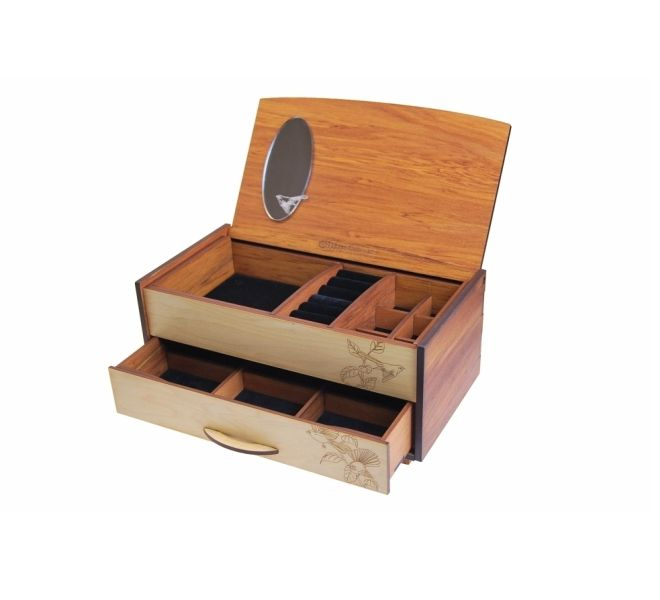 Precious things Fantail jewellery box by Ian Blackwell New Zealand. Complete Ian Blackwell range online.   Gifts online, flying fish design nz