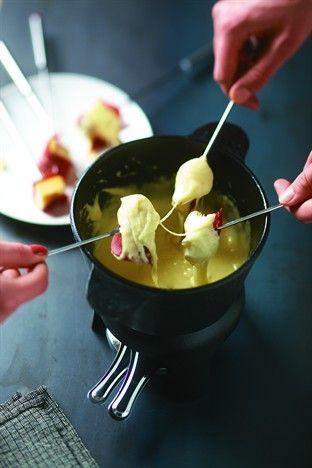 Fondue suisse à la viande des Grisons - Larousse Cuisine
