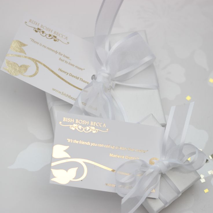 gorgeous wedding gift wrap for brides and bridesmaids jewellery on that special day