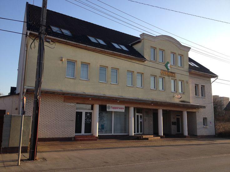 2015 március 30-tól ennek az irodaháznak a második emelete nyelviskolánkként működik tovább! Pontos címe: Tobak utca 10