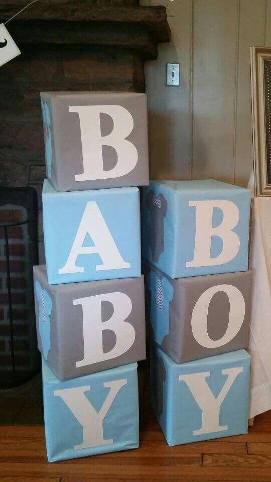 25 +> GROSSE Blöcke mit der Aufschrift BABY in der Farbe Blau & Weiß sind überall platziert   – Baby-Dusche-Ideen