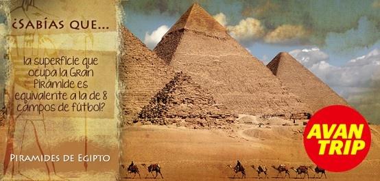 Representando al continente africano, fruto de la cuna de la civilización, elegimos como atractivo a las Pirámides de Egipto. Keops, Kefrén y Micerino elevadas en la meseta de Giza, deslumbran a lo largo de la historia.  Son las únicas de las siete maravillas del mundo antiguo que todavía siguen de pie. ¿Qué otro ícono piensan que puede representar a África?  #Egipto #Piramides #Sabiasque #Cairo #Giza #Keops #Kefren #Micerino #Viaje #Avantrip #Viajar #Conocer #Mundo #iconos