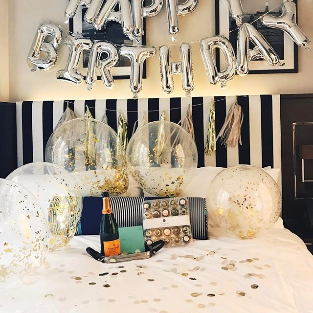 woke my boyfriend up to a breakfast of champagne & cupcakes for his big birthday!! #breakfastofchampions @archerhotels @veuveclicquot @bakedbymelissa