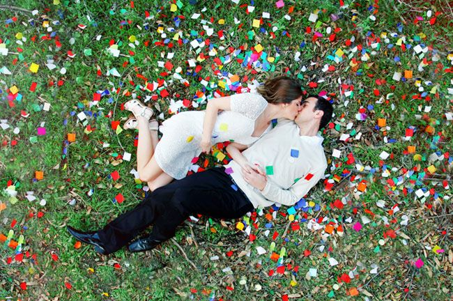 Love all the confetti in these sweet engagement photos!