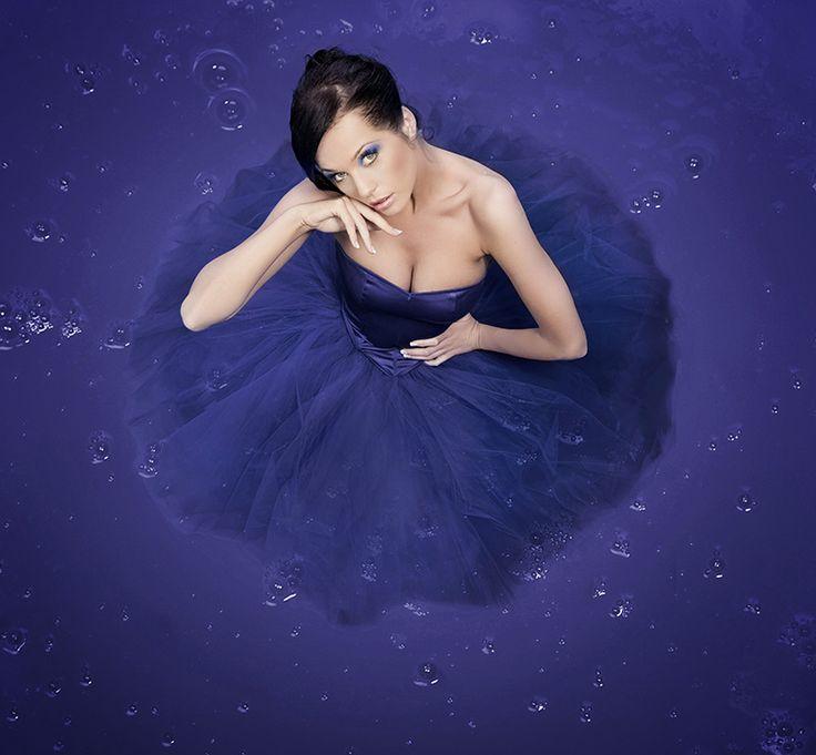 Wow...purple lady
