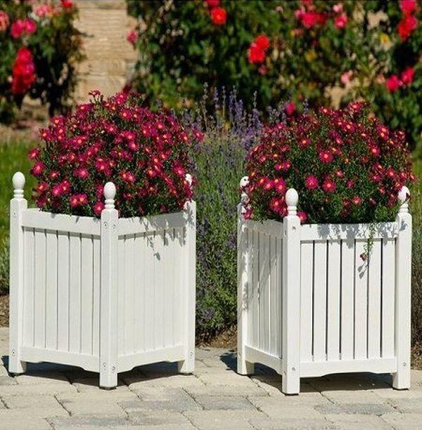 16 idei de jardiniere rustice, pentru o gradina minunata de toamna Chiar daca e toamna si mai avem in gradina doar flori specifice acestui anotimp, nu strica sa aflam 16 idei de jardiniere rustice pentru ele http://ideipentrucasa.ro/16-idei-de-jardiniere-rustice-pentru-o-gradina-minunata-de-toamna/