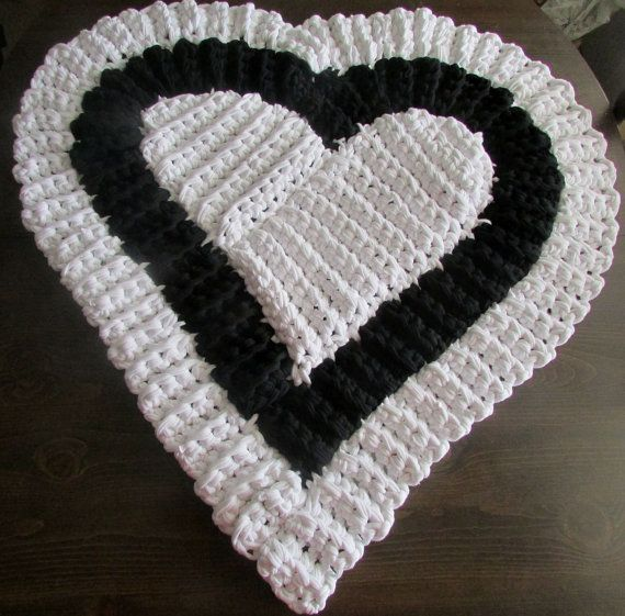 18 Best Images About Crocheted Heart Rugs On Pinterest