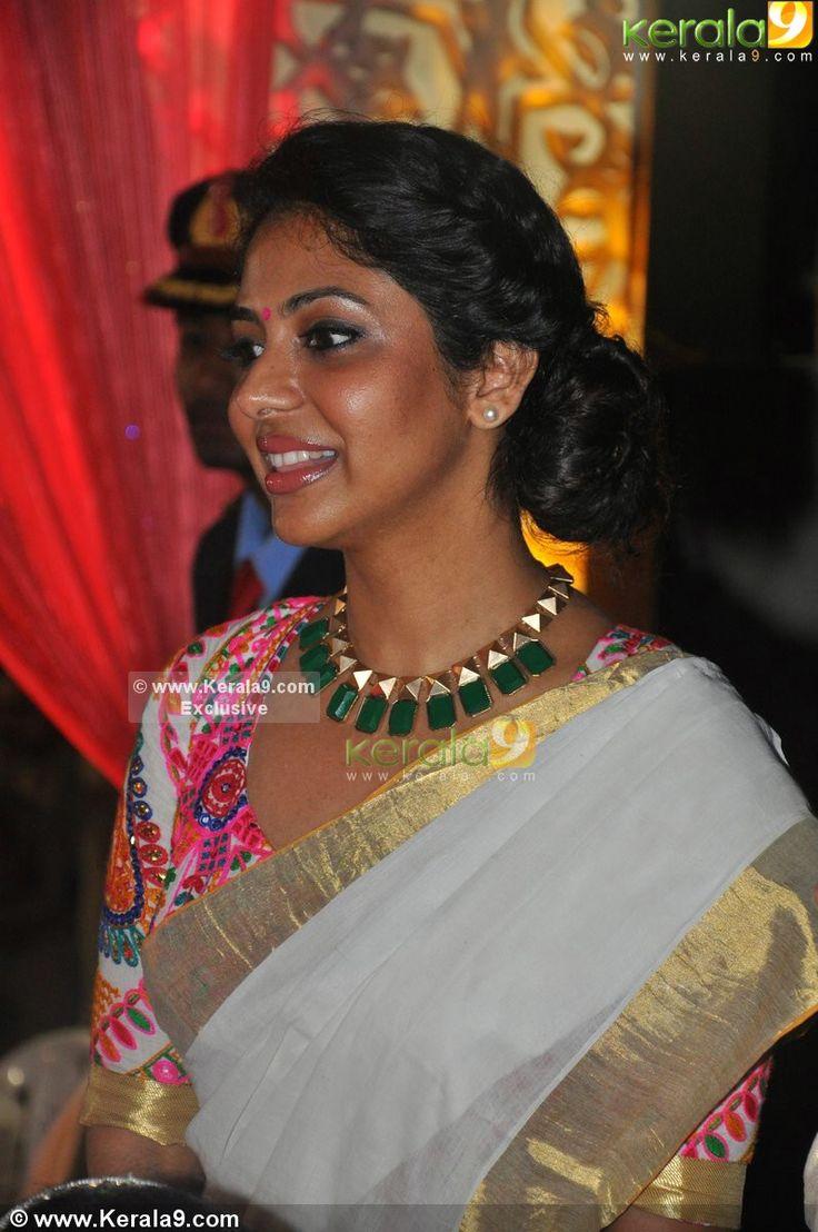 poornima-indrajith-nazriya-nazim-reception-photos-00577.JPG (797×1200)