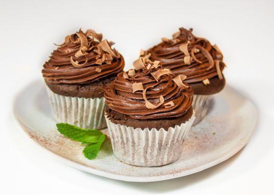 Шоколадные капкейки с шоколадным кремом - вкусные проверенные рецепты, подбор рецептов по продуктам, консультации шеф-повара, пошаговые фото, списки покупок на VkusnyBlog.Ru