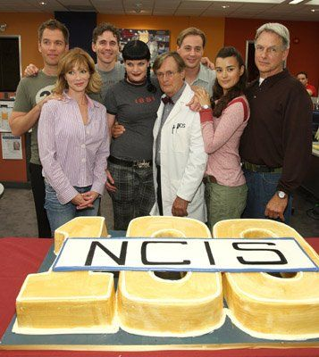 Lauren Holly, Mark Harmon, Pauley Perrette and Cote de Pablo at event of NCIS: Naval Criminal Investigative Service