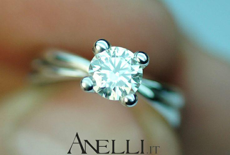 http://www.anelli.it/it/anelli-solitario/anello-solitario-con-diamante-di-0-60-carati-colore-f-purezza-vs1.html