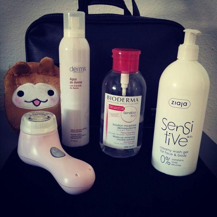 El primer paso para el cuidado de la piel  será la alimentación y el segundo para mi esencial  la limpieza y cuidados ~♡~