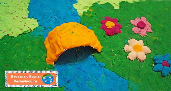 """Пластилиновые миры с речкой, мостиком, рыбками и радугой - Маленькие волшебные миры и сенсорные коробочки  - Статьи блога """"В гостях у Весны"""" - В гостях у Весны"""
