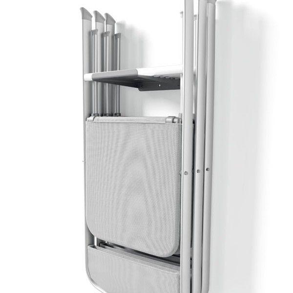 Gancio per appendere sedie pieghevoli Flat di Connubia Calligaris - Si fissa al muro del soggiorno o di un'altra stanza con semplici tasselli. Rappresenta la soluzione ideale per appendere fino a massimo 4 sedie pieghevoli della serie CB/207 Skip Connubia Calligaris o CB/205 Alu di Connubia Calligaris; oppure un massimo di 2 sedie pieghevoli CB/1395 Air Folding Connubia Calligaris. Ideale per risparmiare spazio e fatica.
