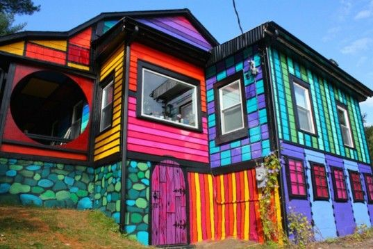 Psychedelic Rainbow Makeover Gives an Old Farmhouse a Vibrant New Glow | Inhabitat New York City
