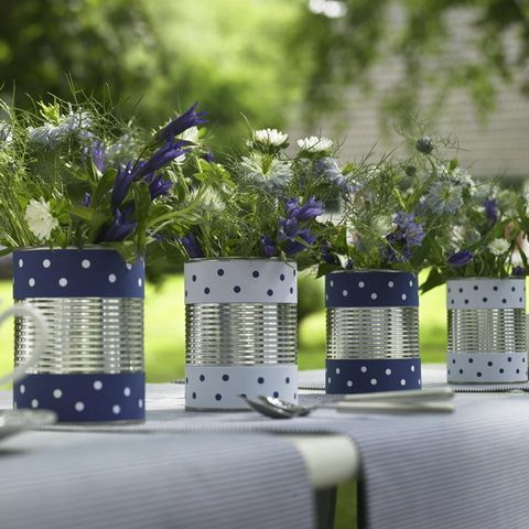 tin can centerpieces | Tin can centerpieces for a cute outdoor tablescape! ... | Party Ideas