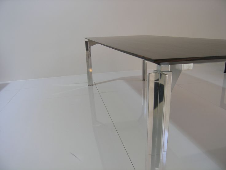 H2O - desk ( by Bataille & Ibens for Bulo)