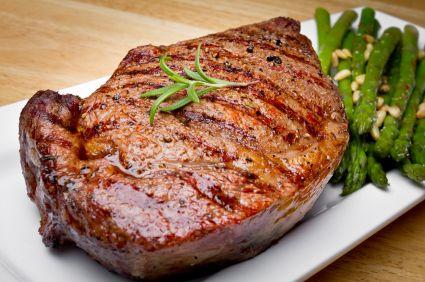 ¿Quieres saber cómo escoger un buen corte de carne para un asado o una parrilla? Hoy queremos brindarte algunos consejos básicos que debes tener en cuenta