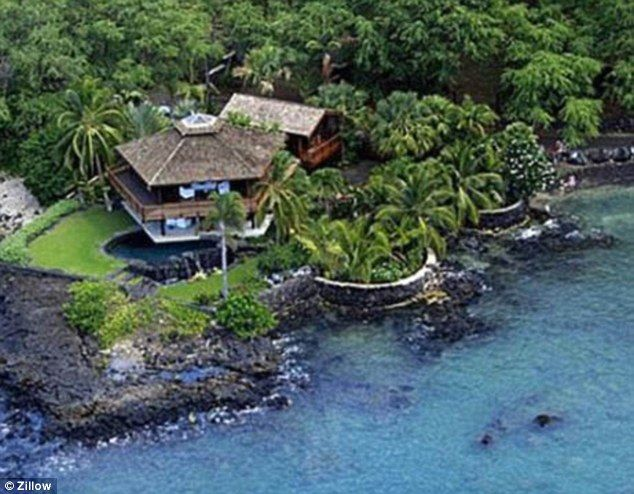 Pictured steven tyler 39 s dream hawaiian home for Hawaii home builders