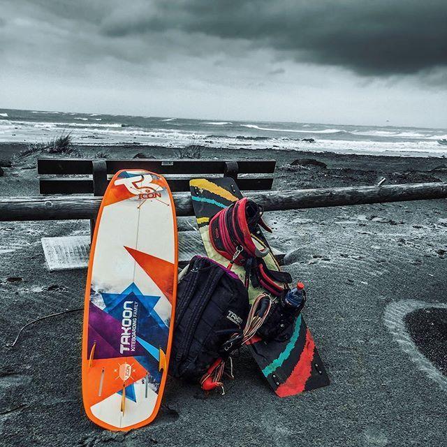 From rodolphe8555Super session kitesurf avec @robindemolin 🌊💨🌪👌😁 Romaleos du week-end 🙃🏋🏻 • • • #kitesurf #takoon #ion #surf #kite #best #takoonfamily #kiteboarding #crossfit #strapless #wave #wind #picofthedaywave,takoonfamily,wind,takoon,kitesurf,best,ion,crossfit,surf,strapless,kiteboarding,picoftheday,kite