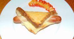 """Szendvics hotdog recept: Se nem melegszendvics se nem hotdog, akkor legyen """"szendvics hotdog"""". :) A hagyományostól eltérő formájú, finom és laktató."""